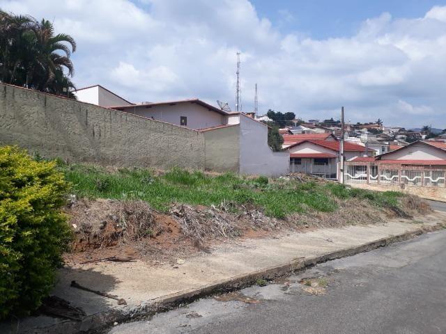 Lote de oportunidade de esquina Bairro Altaville