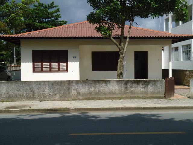 Casa em itapoá SC av. brasil 50m da praia para 8 pessoas - Foto 12