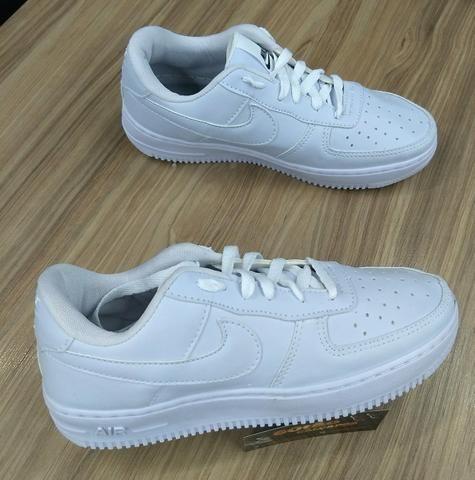 32d0414afb2 Nike Air Force R 40
