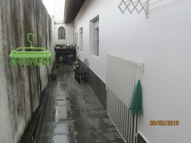 Rm imóveis vende. casa no melhor ponto do bairro, rua plana, casa estilo colonial, janelas - Foto 15