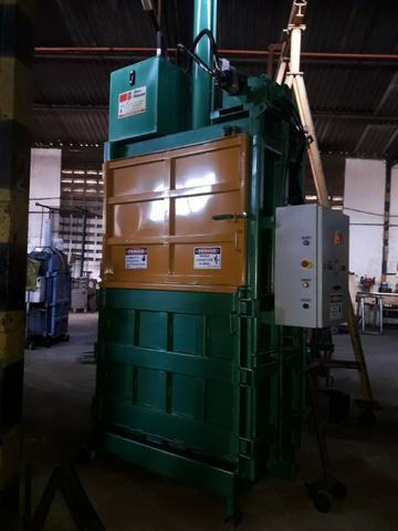 Prensas Hidráulicas Diversas para Fardos de Reciclagem
