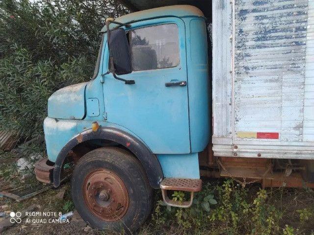 Caminhão Mercedes Bens 1113 Trucado, direção hidráulica, motor já vendido - Foto 3