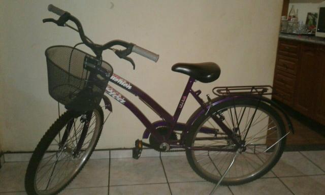 Bicicleta semi nova! quase nunca usada