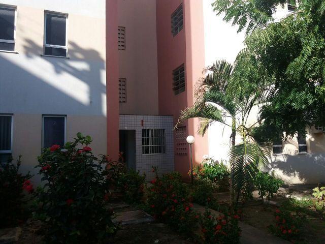 Apartamento em Atalaia, 3 quartos