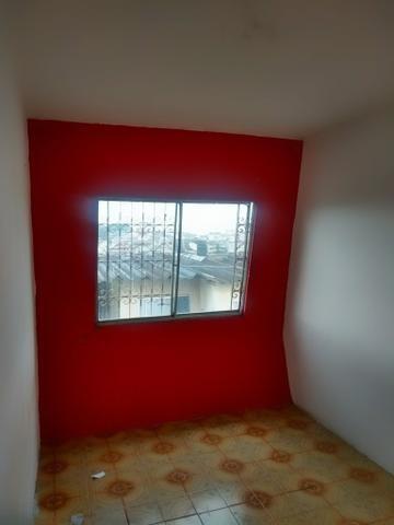 Apartamento condomínio vila das Palmeiras aluga- se