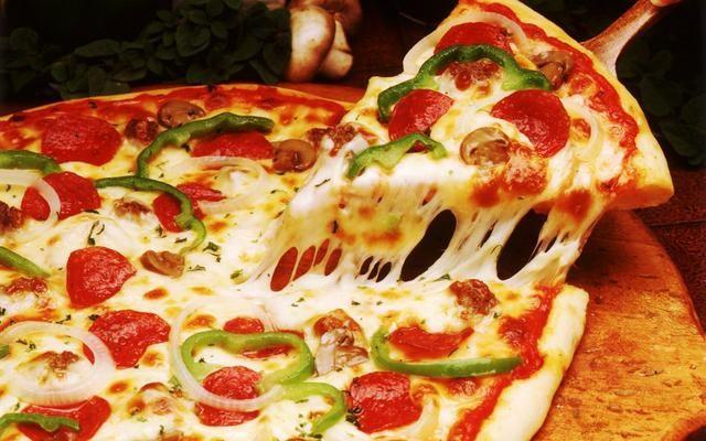 Pizza super gigante