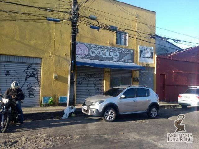Aluga Loja Benfica próximo ao Colégio Farias Brito, bem localizada