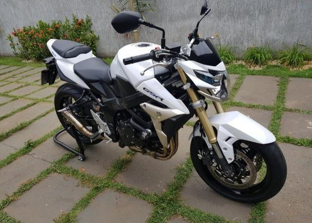 Suzuki GSR750 - Foto 3