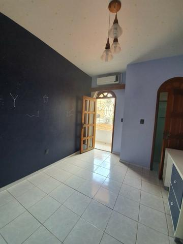 Casa semimobiliada - Pq 10 de Novembro - Foto 7