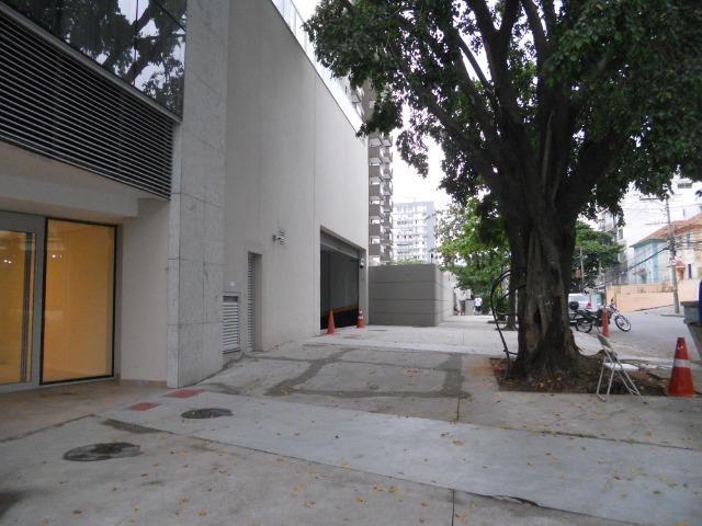 Vendo sala comercial, 22m², localizada em Todos os Santos, frente Norte Shopping