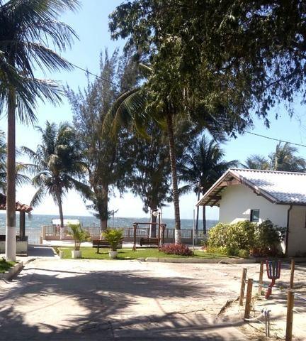 Casa duplex em condomínio com 3 quartos, em frente a Lagoa