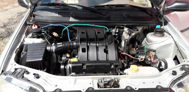 Vendo uma Fiat Strada 2010 1.4 - Foto 4