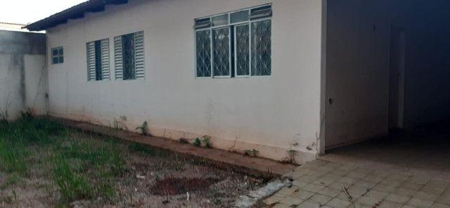 2 casas no mesmo lote, só aluga juntas, Fundo da Garagem de Onibus - Foto 2