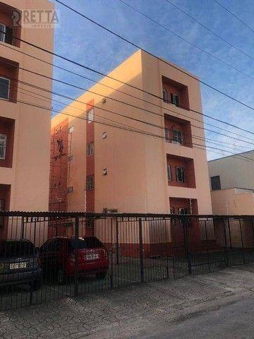 Apartamento com 3 dormitórios à venda, 70 m² por R$ 200.000,00 - Vila União - Fortaleza/CE
