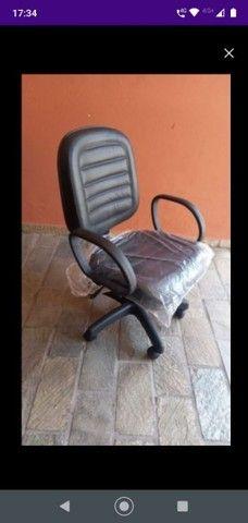 Cadeira diretor com pistão a gás e função RELAX - Foto 5