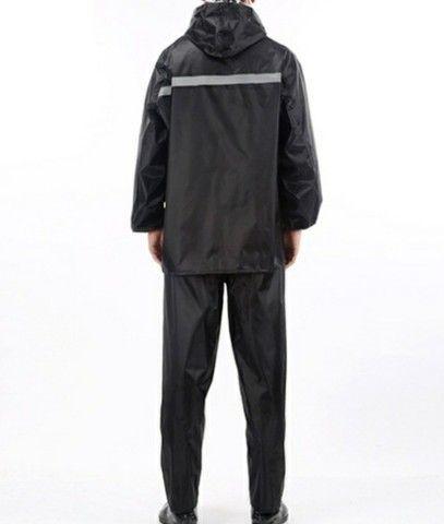 Jaquetas com capul é calça em nylon impermeável  - Foto 3