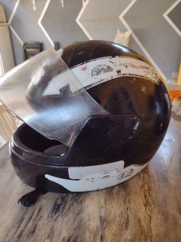 Vende-se capacete tamanho criança por 40R$
