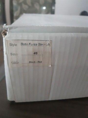 Bota Forza Semi Nova (N. 44 BR - 46 EUR) - Foto 4