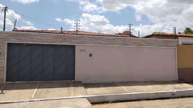 Excelente casa no bairro Aeroporto (Excelente Localização)