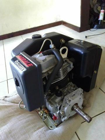 Vende se um motor tel: