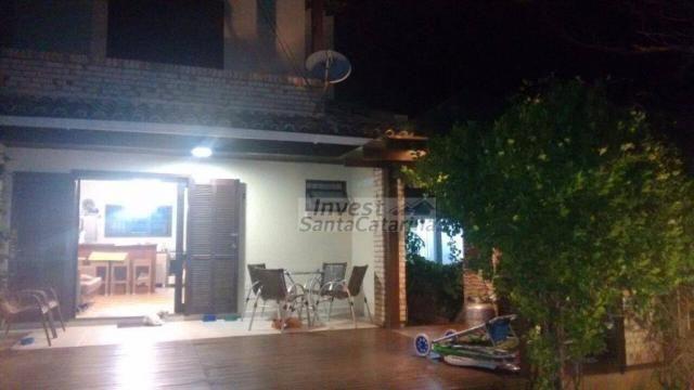 Ótima casa 3 dormitórios, 2 suítes, centro e beira mar!! - Foto 2