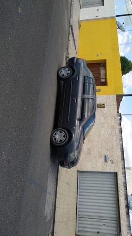 Vendo Clio com air bag Completo 2004