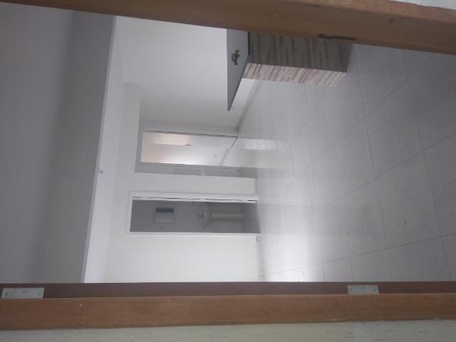 Aluga se apartamento kitnet na região do pinheirinho próximo ao terminal - Foto 15