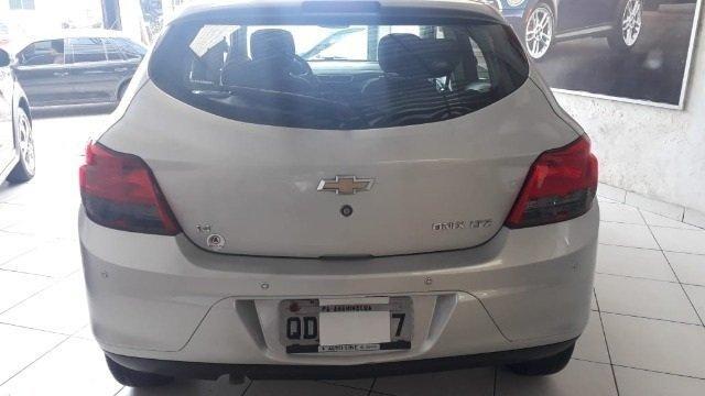 Chevrolet ONIX 1.4 LTZ entrada de 3.500,00 - Foto 4