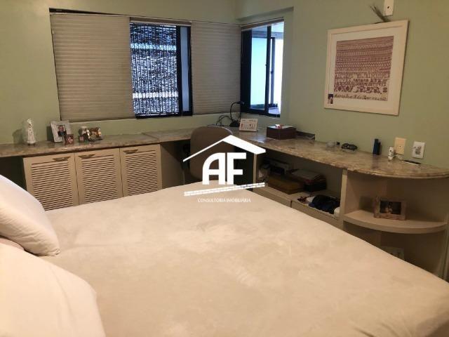 Apartamento com Vista para o mar - 300m² - 3 quartos todos suítes - Ótima localização - Foto 19