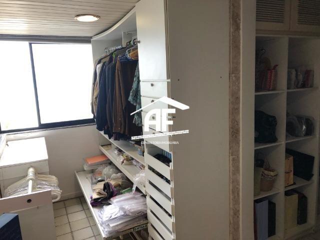 Apartamento com Vista para o mar - 300m² - 3 quartos todos suítes - Ótima localização - Foto 20