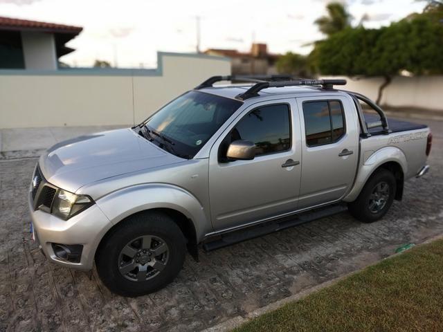 Nissan FRONTIER SV 4X4 linda!