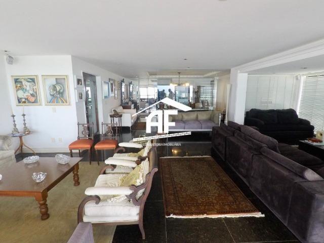 Apartamento com Vista para o mar - 300m² - 3 quartos todos suítes - Ótima localização - Foto 9