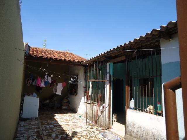 Ponto Comercial de esquina c/ casa de 04 cômodos+áreas (quitada) - Foto 7