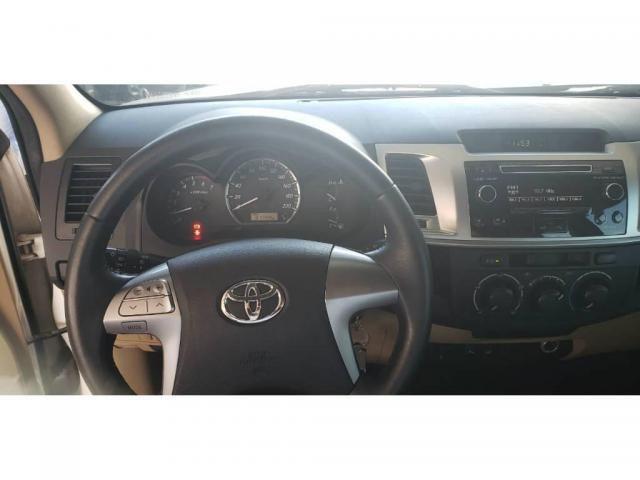 Toyota Hilux SW4 SW4 SR 2.7 3X2 COMP MEC 4P FLEX - Foto 3