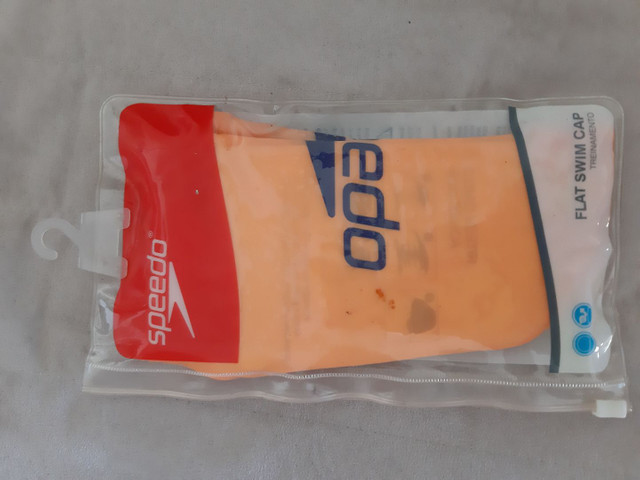 Touca de natação Speedo lisa em silicone.  - Foto 5