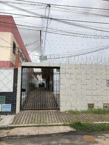 Apartamento/Kitnet no Benfica.