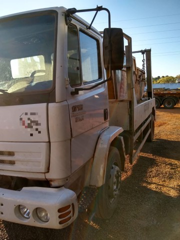 MB 1718 4x2 Chassis  - Foto 2