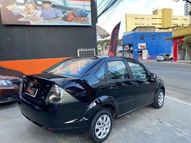 Ford Fiesta 1.6 sedan 2013  - Foto 2