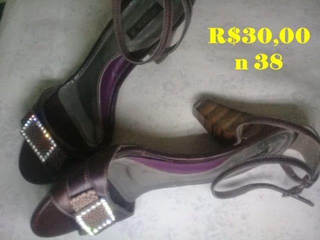 Bolsas e sandálias - Foto 3