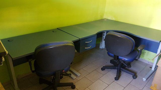 Mesas-cadeiras-armarinhos