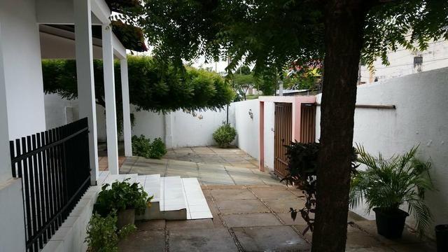 Vendo Casa a 10m da Av.Miguel Rosa