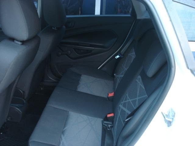 Fiesta Hatch 1.5 S Completíssimo de Única Dona Tirado em Goiânia Super Novo - Foto 11
