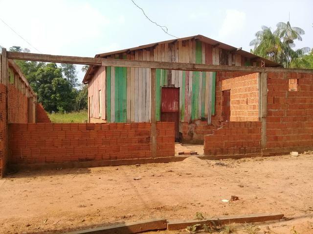 Vendo uma casa ou trocar por carro - Foto 2