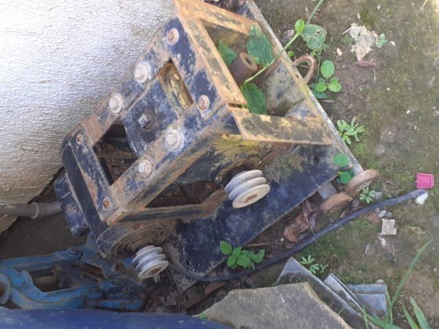 Maquina de cavar poço artesiano - Foto 4