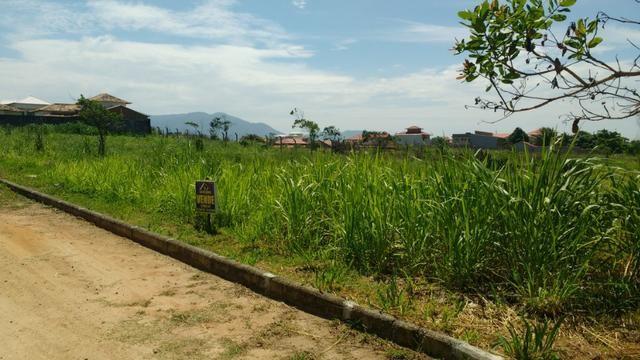 Ótimos terrenos financiados em Condomínio de frente à praia de Jaconé, Saquarema - Foto 9