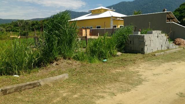 Ótimos terrenos financiados em Condomínio de frente à praia de Jaconé, Saquarema - Foto 20
