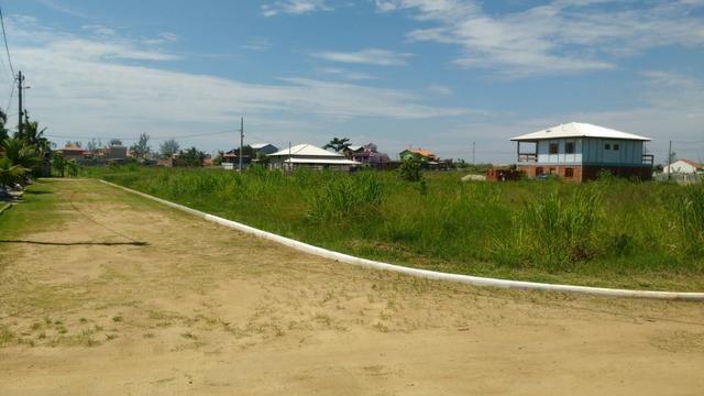 Ótimos terrenos financiados em Condomínio de frente à praia de Jaconé, Saquarema - Foto 18