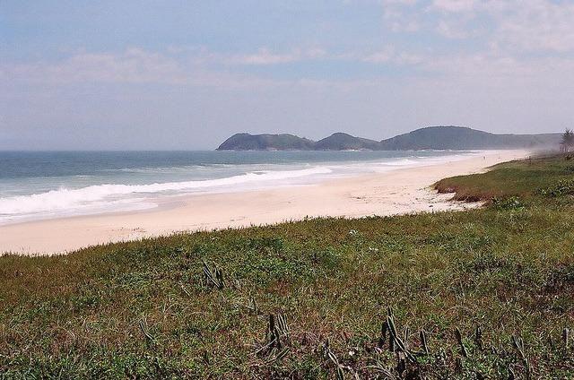 Ótimos terrenos financiados em Condomínio de frente à praia de Jaconé, Saquarema - Foto 13
