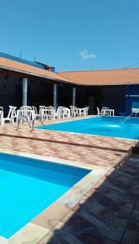 Vendo Salão de festas com 2 piscinas e churrasqueira! - Foto 4