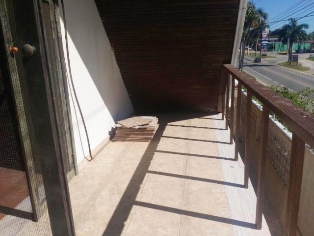Casa duplex em condomínio com 3 quartos, em frente a Lagoa - Foto 13